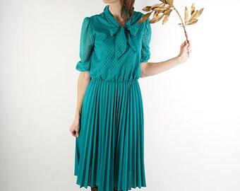 Emerald green vintage dress, 70s midi dress, lace sleeve dress, M, medium