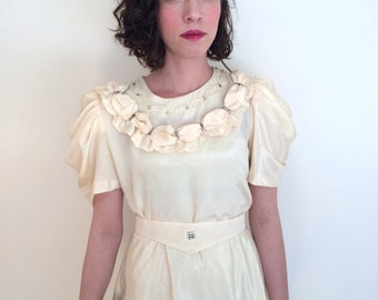 """1960s Vintage Cream Dress with Folded Sleeves by Designer Angelo Litrico Waist 26"""" 