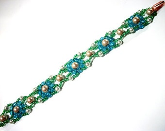 5 Motifs Link Bracelet Pearl Blue & Greens LOVELY Spring Fashion Gift Ideas for Her