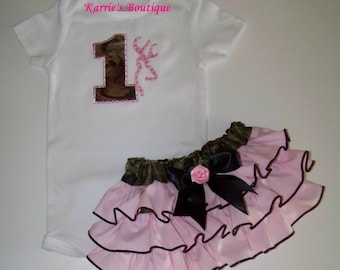 Camo 1st Birthday BLING 2 pcs Outfit / Mossy Oak / Deer / Pink / Brown / Onesie + Ruffle Bloomer / Baby / Girl / Toddler / Custom Boutique