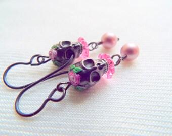 SKULLS & ROSES - Halloween Skull Earrings - Hypoallergenic Niobium Earrings- Swarovski Crystals / Pearls, Day of the Dead - Artisan Earrings