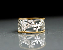 Bicolor Flower Ring. Sterling ring with gold plated trim. Adjustable. Romantique jewelry for her.