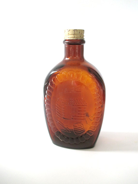Log cabin syrup bottle us bicentennial