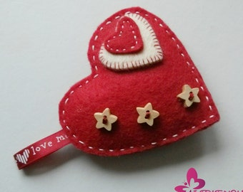 Valentine keychain.. heart keychain for her and for him. Valentine's accessories. Valentine's gift