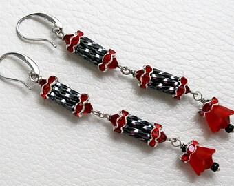 Long earrings, Swarovski-Perlen, completed flower, Jewelry, Beadwork. Colors: Hematite, Siam, Ruby, Silver and Black
