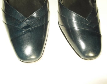 Vintage Navy Blue Shoes HIGH QUALITY Pure Leather Women's Heels Like New - Lovely Front Detail - Size UK 3.5/ 36.5 Eu