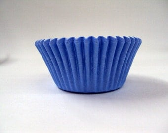 32 Light Blue Baking Cups
