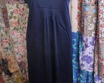 Long dark blue nylon slipREF223