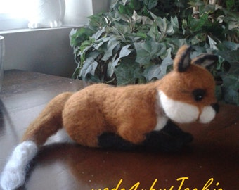 Needle Felted fox ,needle felted animal , Fox , Animal, Stocking filler , Christmas Present , OOAK , Hand made Fox cub, miniature Fox cub,,