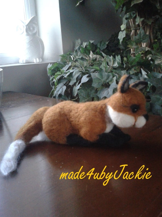 Needle Felted fox - miniature - Felted fox - felted animal - miniature fox - Stocking filler , Christmas Present - Hand made Fox cub - cub,,