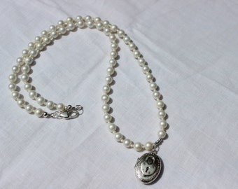 Pearl Necklace, Locket Necklace, Bridal Necklace, Silver Locket