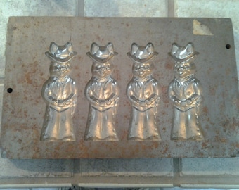 Antique Easter Bunny Mold