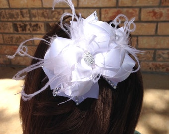 Solid white boutique hair bow! Christmas bow! Perfect for baptisms and christenings!