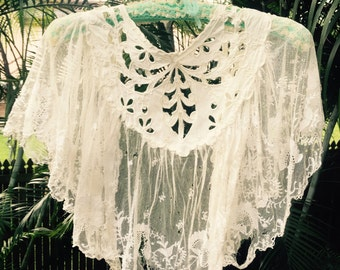 Vintage 60s cotton and lace shawl