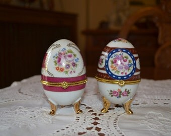 Vintage LIMOGES porcelain eggs set of 2 with lovely drawings and colours and gold gilded details/collectible porcelain eggs apr.2085