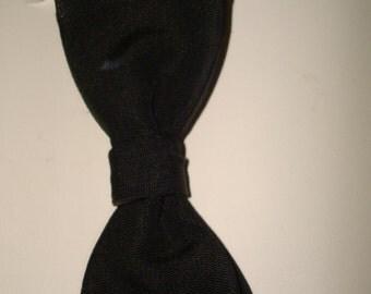 Vintage navy Arrow bow tie