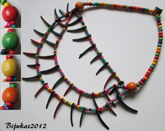 ON SALE Colourful coconut-shell necklace