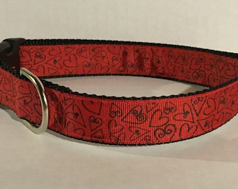 Curly Hearts Dog Collar