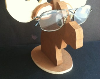 Moose glasses stand