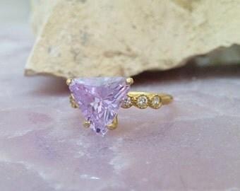 SALE! SALE! Trillion ring,Lavender Amethyst ring, June birthstone,gemstone ring, gold ring, vitage ring,bridal ring