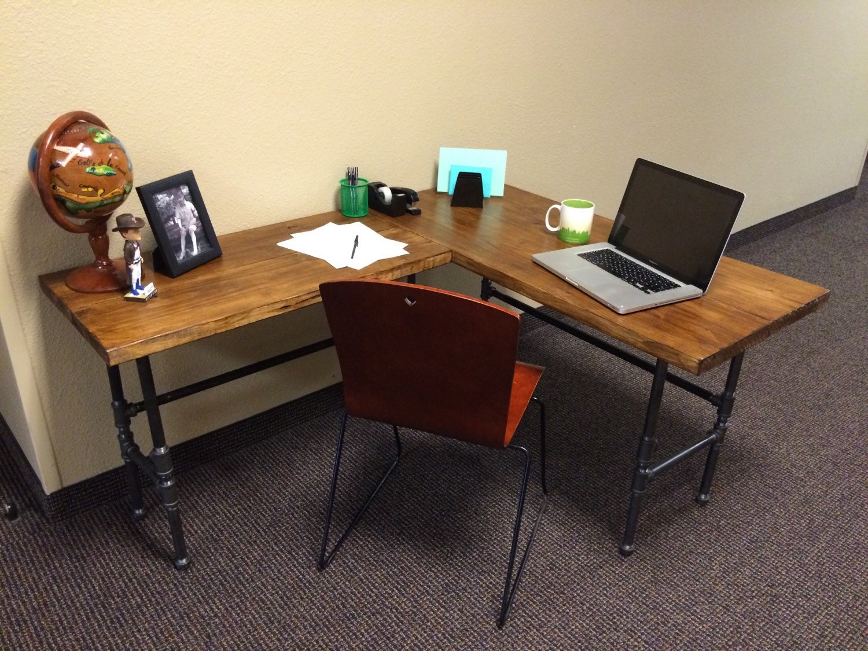 industrial l shaped desk by hipsterwoodcreations on etsy. Black Bedroom Furniture Sets. Home Design Ideas