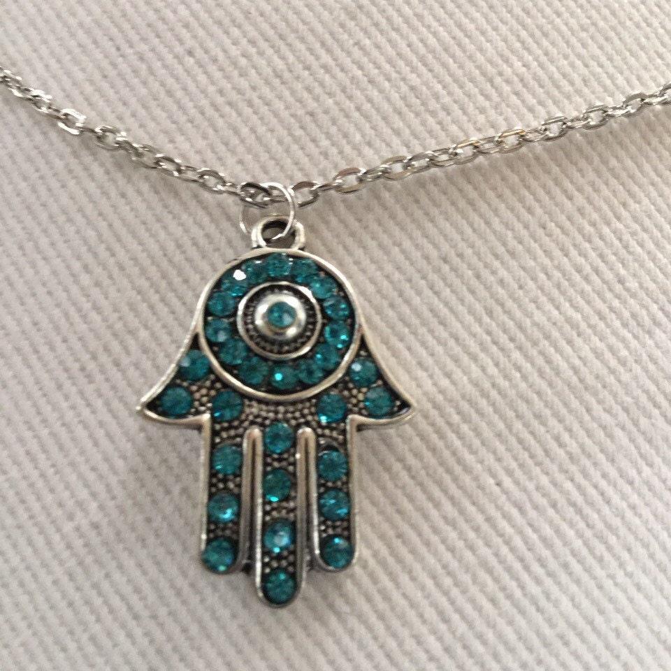 free shipping hamsa necklace by bugigangasbyleticia