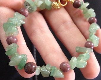 Rhodonite and Aventurine Wire Bracelet with Clasp