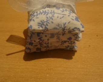 Small lavender scented pouches