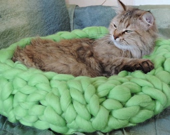 Cat cave, Cat Bed, Pet bed, Pet cave, Pet Bedding, Chunky Cat cave, Merino Cat cave, Wool Pet bed, Chunky yarn