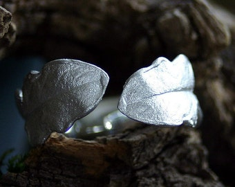 double leaf dandelion ring made of silver, opened
