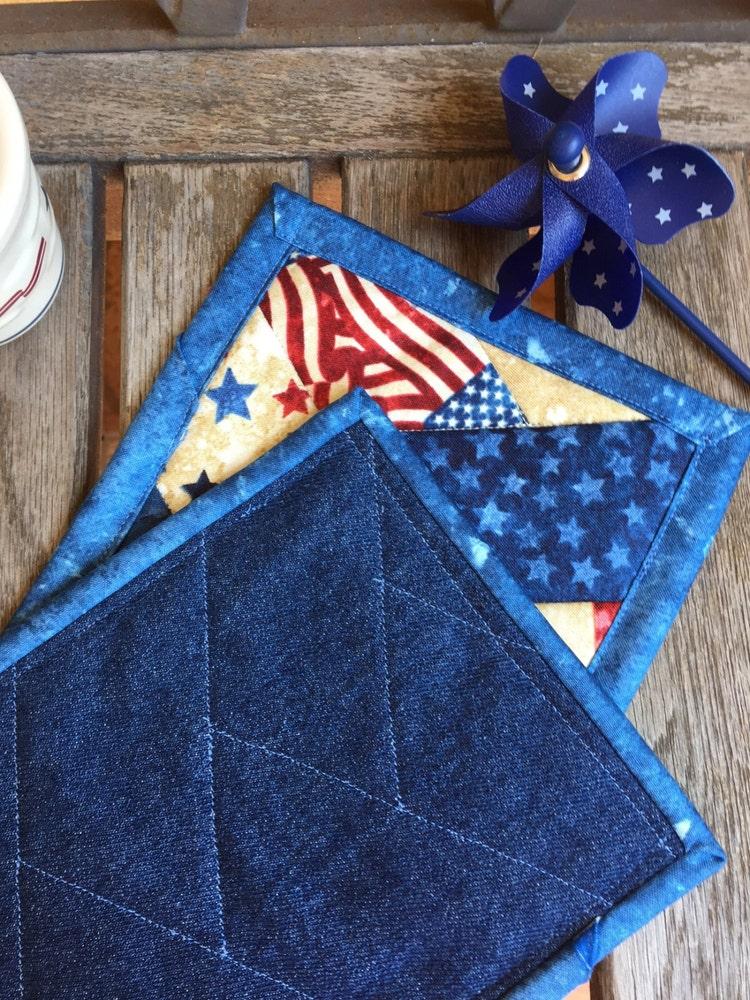 blue patriotic mug rug set in red white and blue by knjstudio. Black Bedroom Furniture Sets. Home Design Ideas