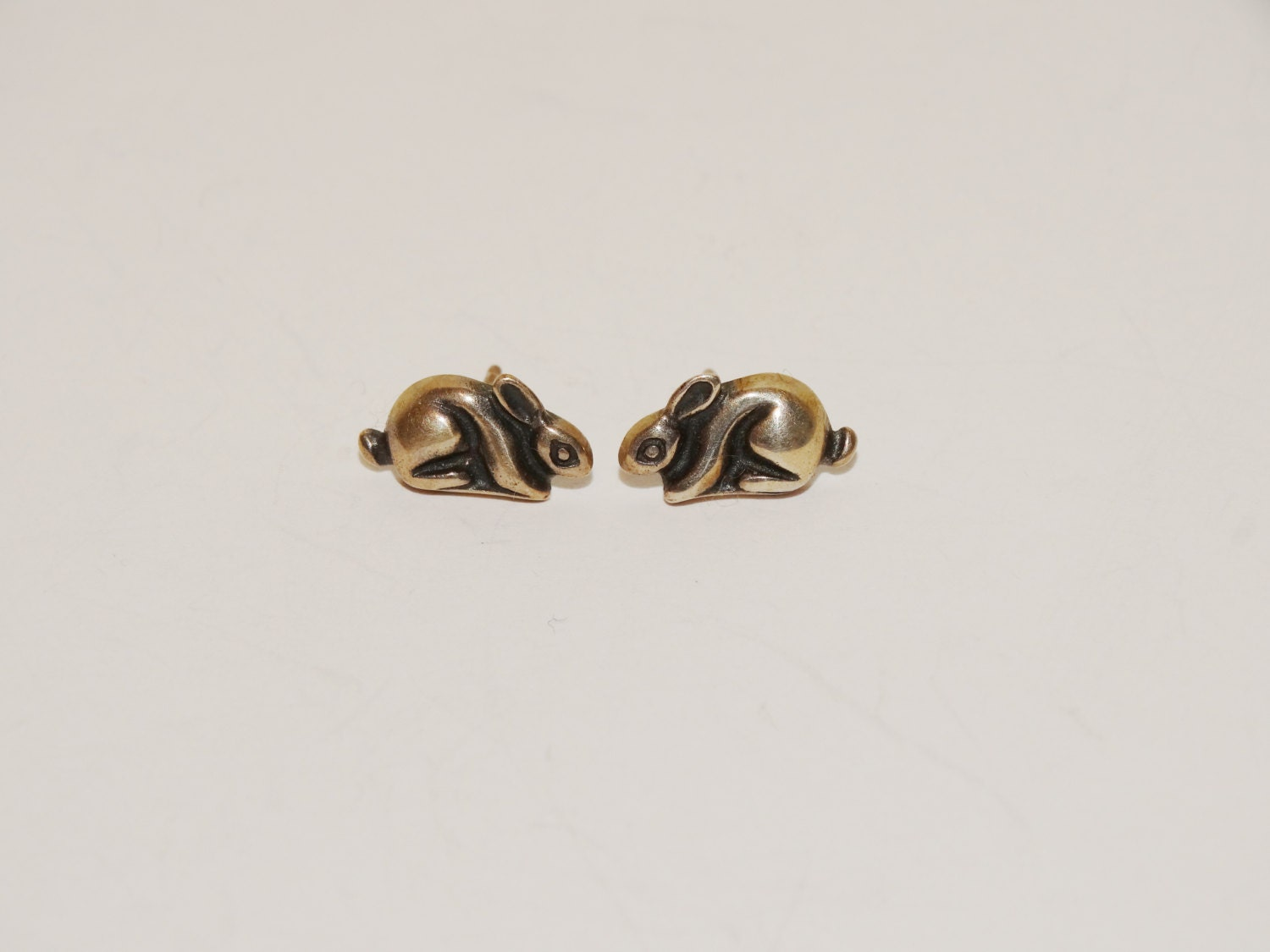avery stud earrings vintage avery retired bunny rabbit small earrings 7144