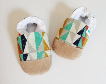 Soft soled baby and toddler shoes slippers booties - Multi colored geometric print2