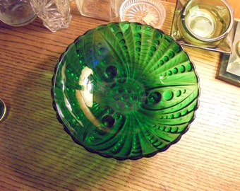 Forrest Green  oyster and pearl serving bowl.