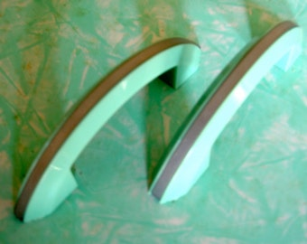 Vintage Green Plastic Drawer Pull/ Handle