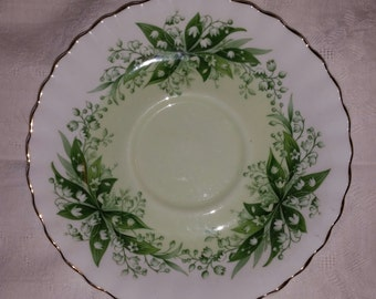 Royal Albert Fine English Bone China Made in England Melody Series Concerto Pattern Gold Trimmed Saucer with Lily of the Valley Design