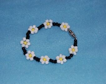 Seed Bead Bracelet- Daisy