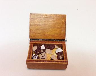 box cookies