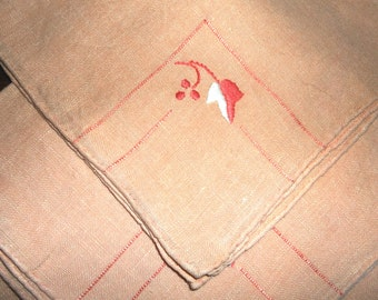 4 Vintage Peach Napkins w/ embroidery • 11 inches