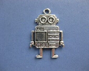2 Robot Charms - Robot Pendant - Robot - Robots - Antique Silver - 4cm x 2.7cm --(No.31-10833)