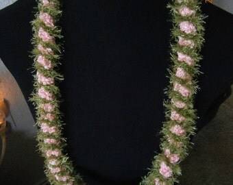 Lei: Baby Pink & Green Spiral -SOLD-