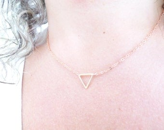 Delicate Rose Gold Necklace, Dainty Triangle Necklace, Simple Geometric Necklace,Minimal Jewelry,Floating Little Rose Gold Triangle Necklace