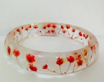 Pressed Flower Jewelry- Real Flower Bangle- Real Flower Resin Jewelry - Jewelry made with Flowers- Red Flower Bracelet-Baby's Breath