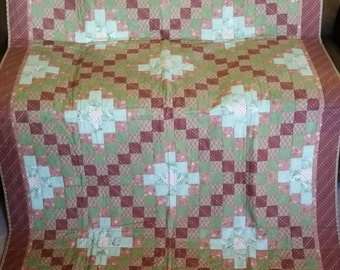 Irish Chain Quilt bed quilt