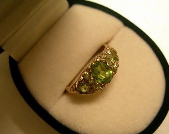 9K Gold & Peridot Vintage ring with valuation