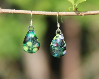 Dark and spring green coloured glass speckled teardrop dangly drop earrings