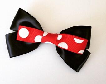 Disney/Minnie mouse hair bow