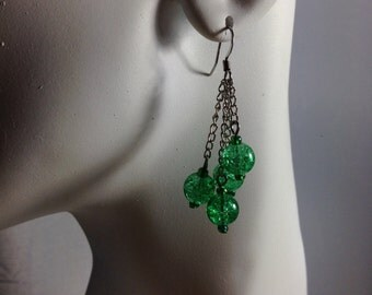 Handmade Jewelry. Green Earring (beads on chains)