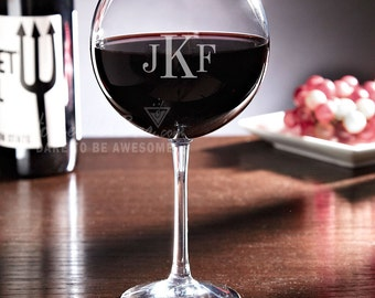 Monogrammed Red Wine Glass 19 oz - Unique Wine Lover Gifts - Great Personalized Presents for Birthday Wedding or Any Occasion