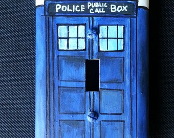 Hand painted Doctor Who Tardis Light Switch Plate Cover Home Decor